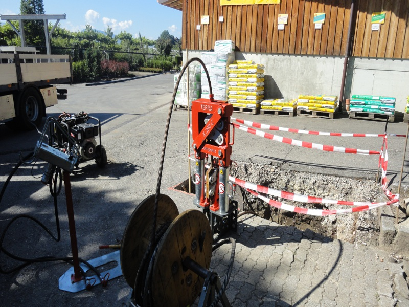 die Maschine ist startklar, the machine is ready © TERRA AG, Reiden, Switzerland